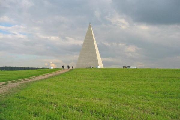 Alexander Golod's pyramid. © Kolya&Masha