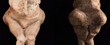 Two-sided views of the Venus of Bryansk (Russia). CREDITS: COURTESY INSTITUTE OF ARCHEOLOGY AND ETHNOGRAPHY