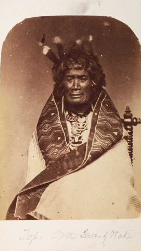 Te Rangi Topeora. A Maori dignitary wearing hei tiki photographed around 1860. © Kura Pounamu / Museum of New Zealand.