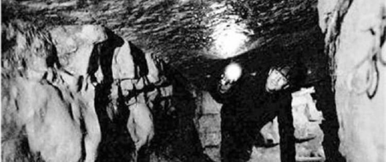 Tsarichina Hole