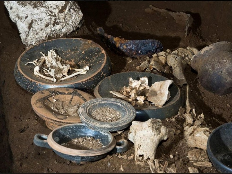 2300-year-old untouched grave recently discovered in the suburbs of Rome (Italy) Credits: Soprintendenza Speciale Archeologia, Belle Arti and Paesaggio di Roma
